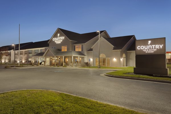 Country Inn & Suites - Fort Dodge