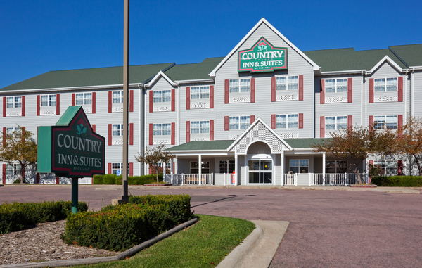 Country Inn & Suites - Dakota Dunes