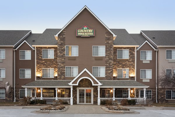 Country Inn & Suites - Omaha Airport